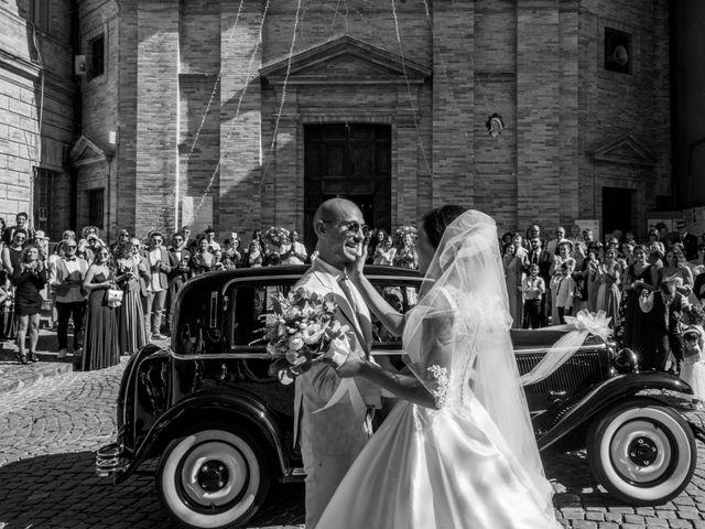 Il matrimonio di Nicola e Elena a Montefano, Macerata 41