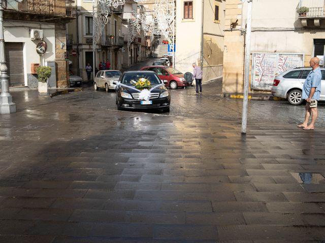 Il matrimonio di Gianpaolo e Jasmine a Mirabella Imbaccari, Catania 25