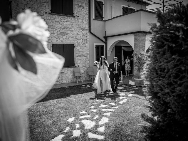 Il matrimonio di Fabrizio e Monica a Fabriano, Ancona 43