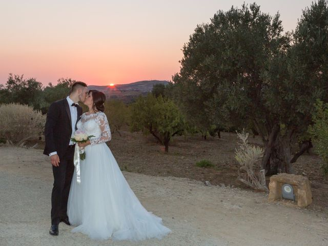 Il matrimonio di Giuseppe e Miriana a Porto Empedocle, Agrigento 22
