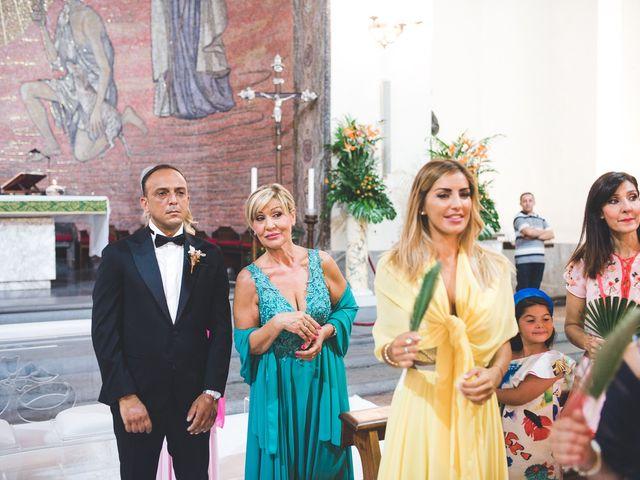 Il matrimonio di Vincenzo e Veronica a Frattamaggiore, Napoli 17