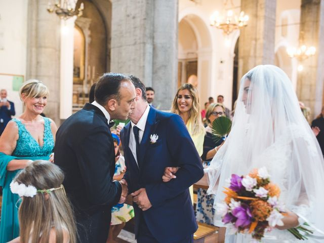 Il matrimonio di Vincenzo e Veronica a Frattamaggiore, Napoli 19