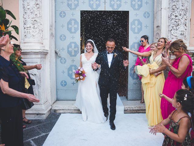 Il matrimonio di Vincenzo e Veronica a Frattamaggiore, Napoli 25