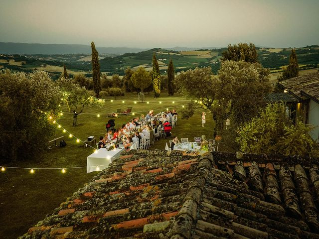 Il matrimonio di John e Sunna a Todi, Perugia 42
