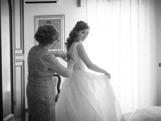 Il matrimonio di Luca e Vanessa a Crotone, Crotone 34