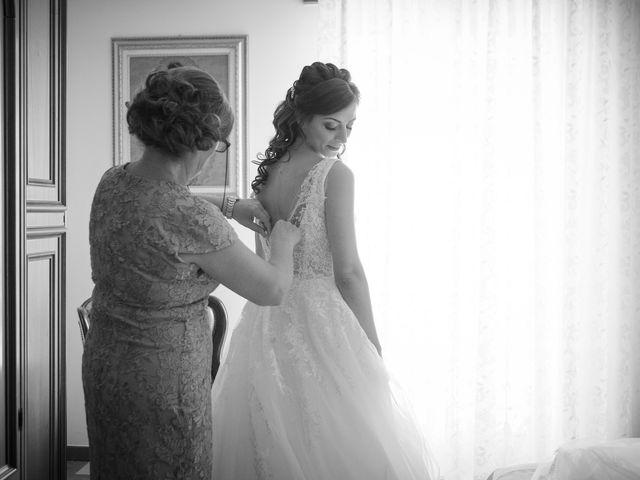 Il matrimonio di Luca e Vanessa a Crotone, Crotone 35