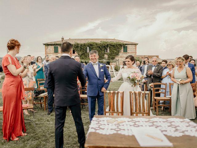 Il matrimonio di Valerio e Claudia a San Quirico d'Orcia, Siena 43
