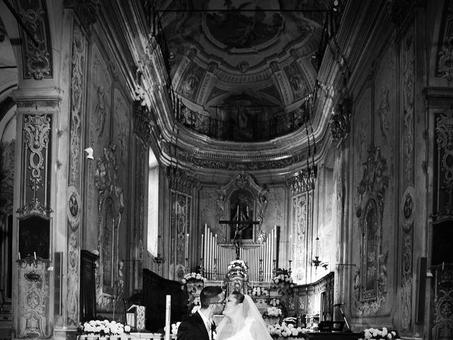 Il matrimonio di Luca e Monica a Savona, Savona 24
