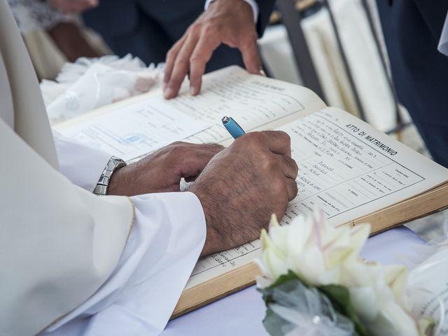 Il matrimonio di Alessandro e Manuela a Potenza Picena, Macerata 22