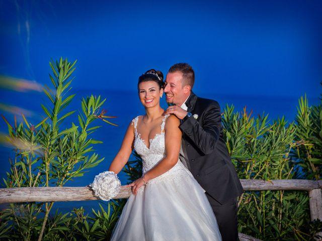 Il matrimonio di Massimo e Sofia a Rocca di Neto, Crotone 5