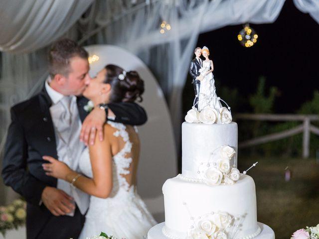 Il matrimonio di Massimo e Sofia a Rocca di Neto, Crotone 11