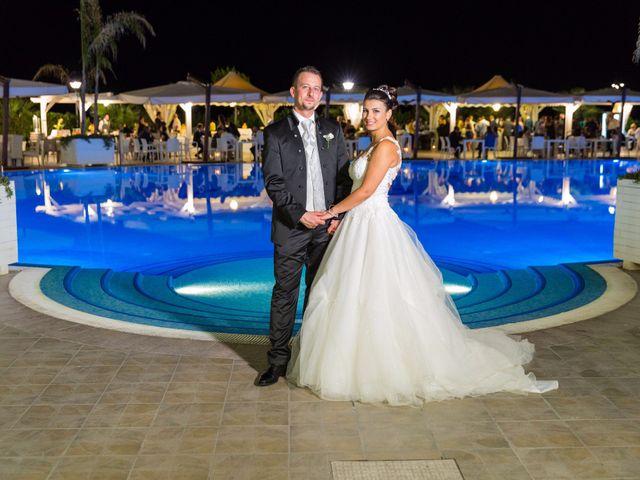 Il matrimonio di Massimo e Sofia a Rocca di Neto, Crotone 18