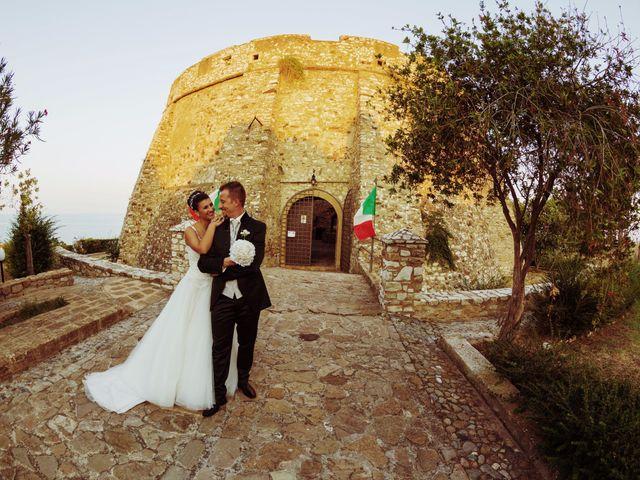 Il matrimonio di Massimo e Sofia a Rocca di Neto, Crotone 28