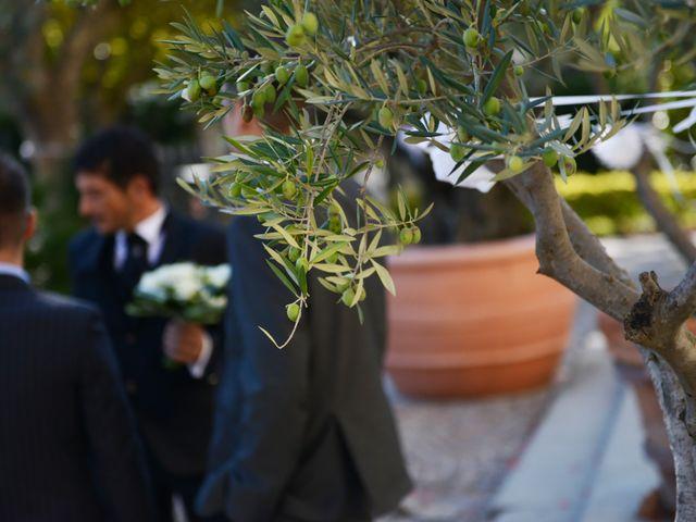 Il matrimonio di Dario e Lizzie a Comacchio, Ferrara 16