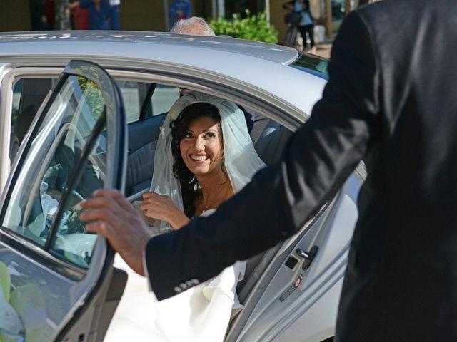 Il matrimonio di Dario e Lizzie a Comacchio, Ferrara 17