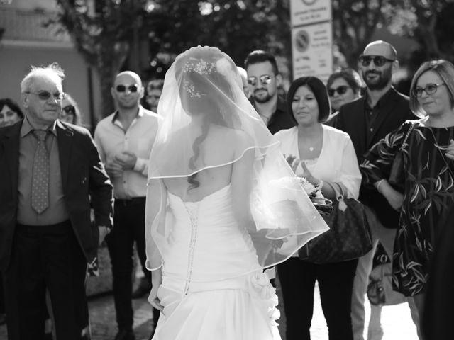 Il matrimonio di Dario e Lizzie a Comacchio, Ferrara 19