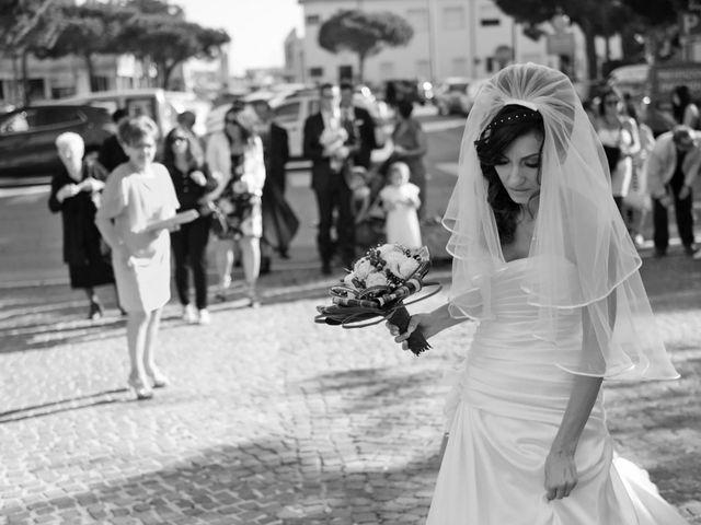Il matrimonio di Dario e Lizzie a Comacchio, Ferrara 20