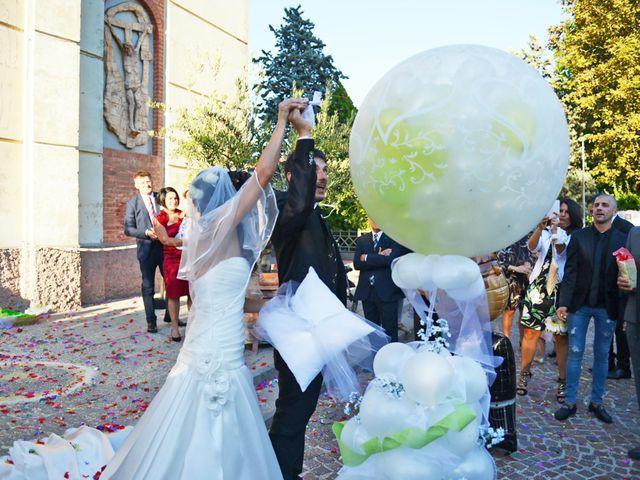Il matrimonio di Dario e Lizzie a Comacchio, Ferrara 29