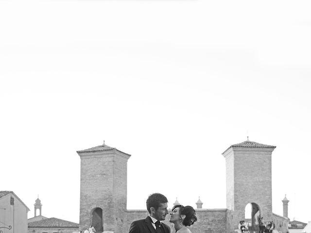 Il matrimonio di Dario e Lizzie a Comacchio, Ferrara 33