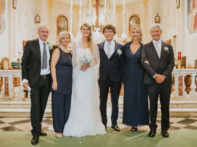 Il matrimonio di Veronica e Francesco a Bagnone, Massa Carrara 11