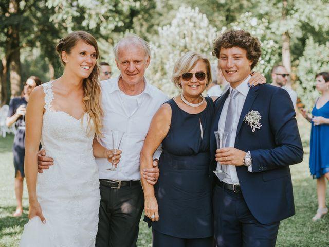 Il matrimonio di Veronica e Francesco a Bagnone, Massa Carrara 12
