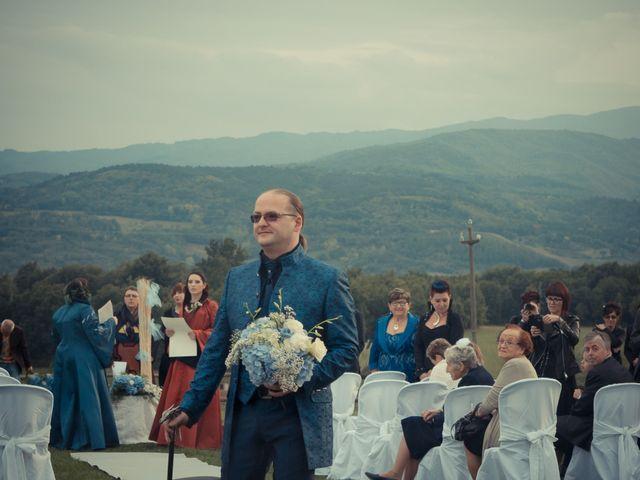 Il matrimonio di Costanza e Gianni a Poppi, Arezzo 11