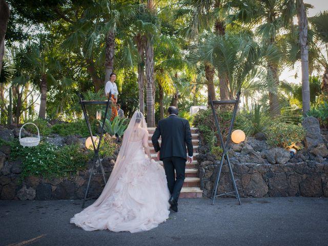 Il matrimonio di Matthew e Morena a Aci Castello, Catania 12