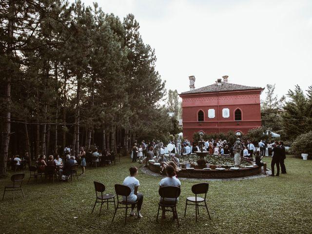 Il matrimonio di Luca e Marta a Monticello d'Alba, Cuneo 9