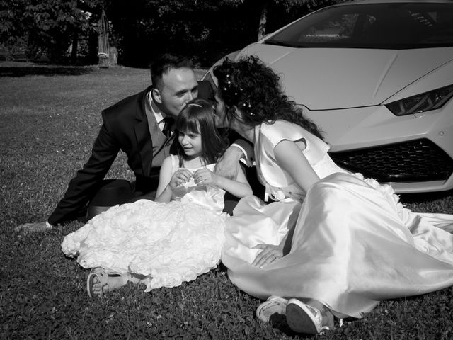 Il matrimonio di Andrea e Valentina a Pieve di Cento, Bologna 32