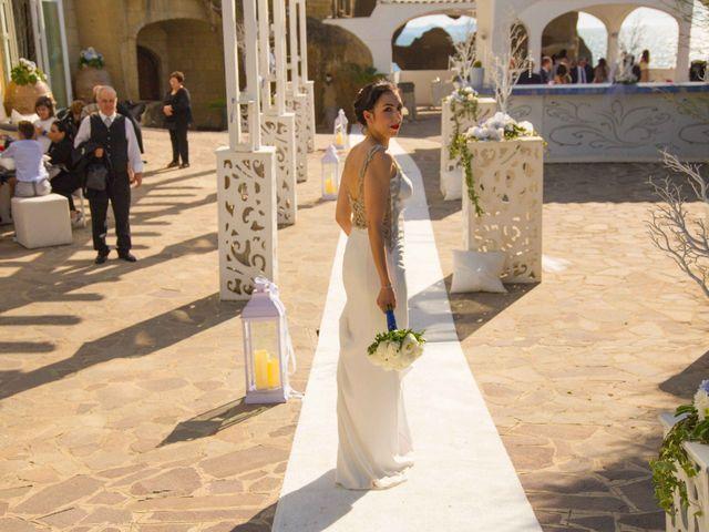Il matrimonio di Pietro e Romina a Monte di Procida, Napoli 1
