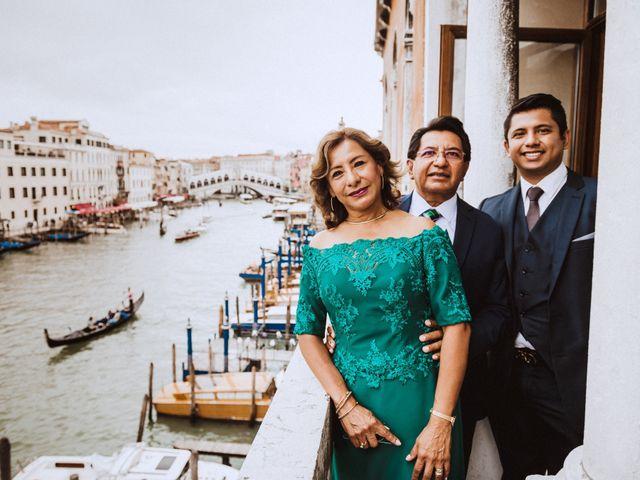 Il matrimonio di Yesenia e Alessio a Venezia, Venezia 28