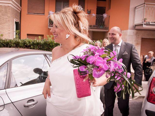 Il matrimonio di Gionata e Simona a Falconara Marittima, Ancona 13