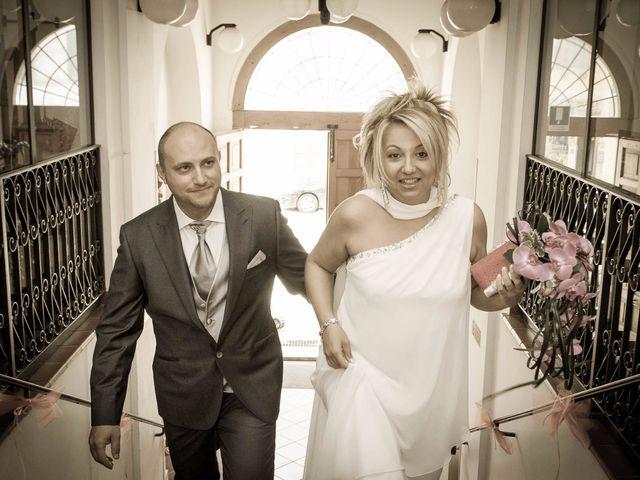 Il matrimonio di Gionata e Simona a Falconara Marittima, Ancona 16