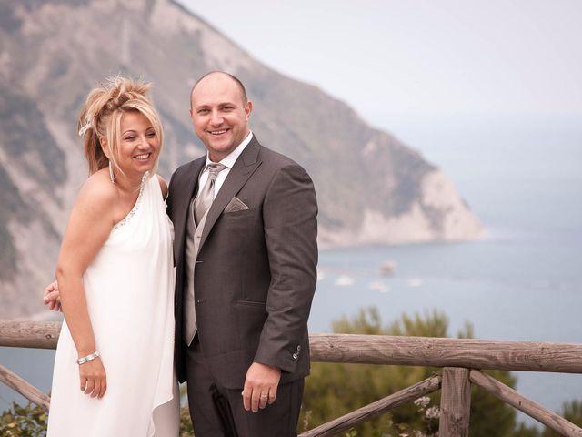 Il matrimonio di Gionata e Simona a Falconara Marittima, Ancona 27