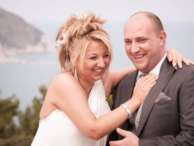 Il matrimonio di Gionata e Simona a Falconara Marittima, Ancona 30