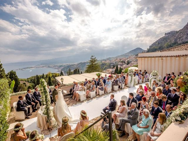 Il matrimonio di Noah e Naomi a Taormina, Messina 11