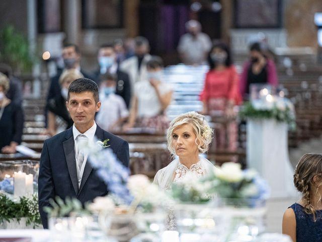 Il matrimonio di Elena e Andrea a Ghedi, Brescia 14