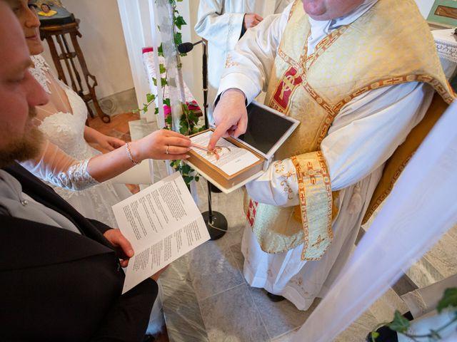 Il matrimonio di Thomas e Irene a Cuasso al Monte, Varese 38