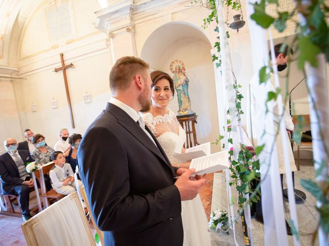 Il matrimonio di Thomas e Irene a Cuasso al Monte, Varese 41