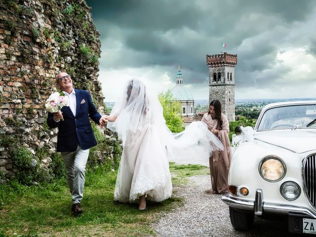 Il matrimonio di Michele e Valentina a Lonato del Garda, Brescia 32