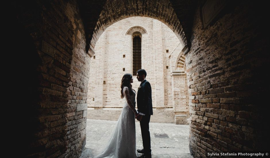 Il matrimonio di Claudio e Gina a Spinetoli, Ascoli Piceno