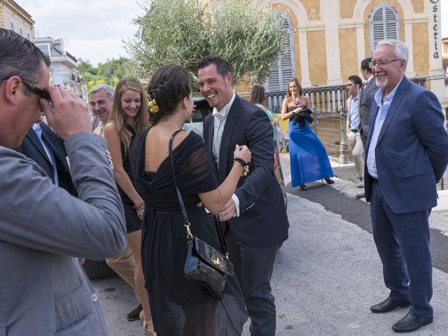 Il matrimonio di Alessandro e Maria Elisa a Cupra Marittima, Ascoli Piceno 15