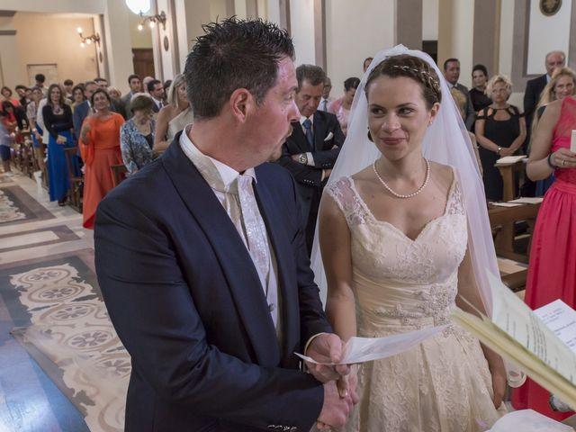 Il matrimonio di Alessandro e Maria Elisa a Cupra Marittima, Ascoli Piceno 19