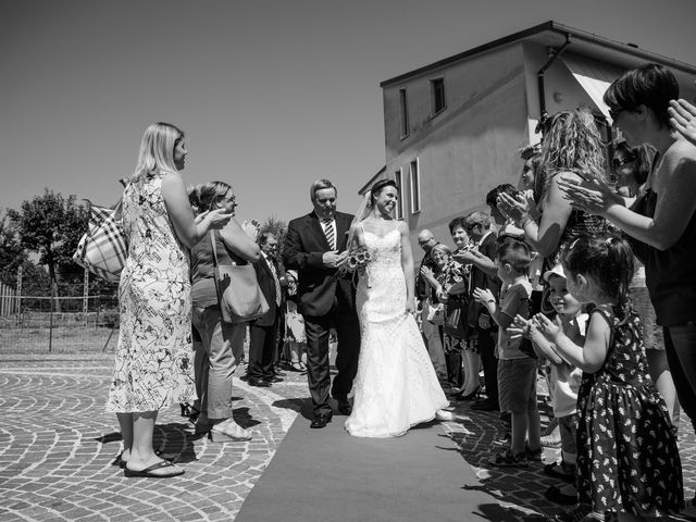 Il matrimonio di Adriano e Jessica a Sant'Angelo a Cupolo, Benevento 18