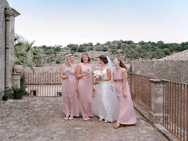 Il matrimonio di Marty e Julia a Palazzolo Acreide, Siracusa 30