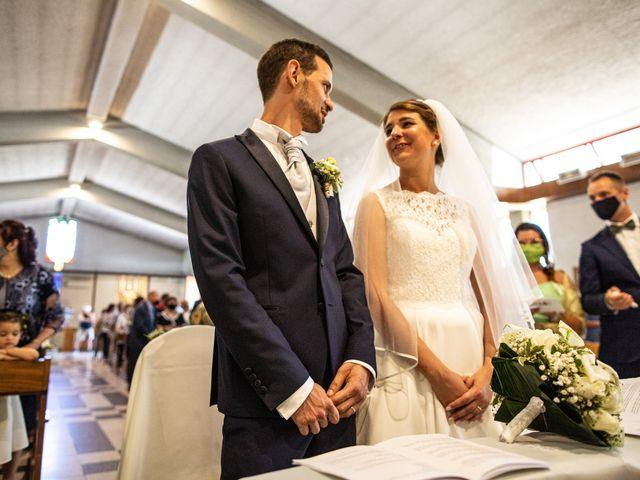 Il matrimonio di Marco e Federica a Paderno Dugnano, Milano 14