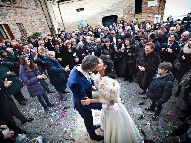 Il matrimonio di Laura e Alessandro a Porto San Giorgio, Fermo 16