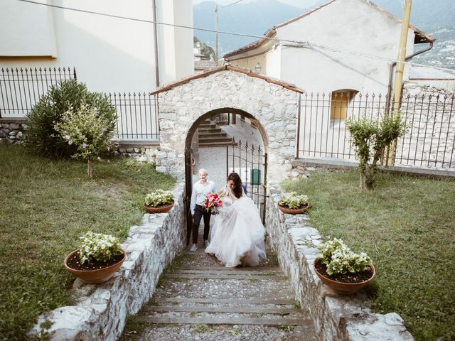 Il matrimonio di Tiberio e Laura a Monte Isola, Brescia 19
