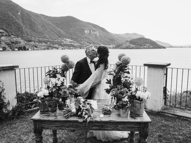 Il matrimonio di Tiberio e Laura a Monte Isola, Brescia 22