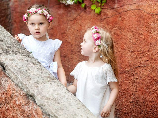 Il matrimonio di Til e Elena a Laglio, Como 26